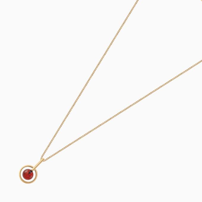 Подвеска 1919 из покрытого золотом серебра и вишнёвым янтарём на цепочке