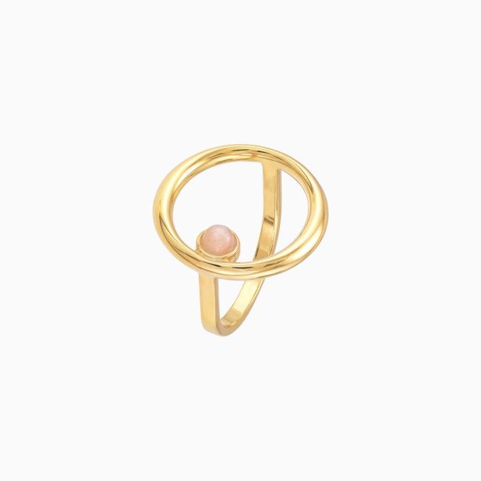 Круглое кольцо Roma из покрытого золотом серебра и розовым лунным камнем