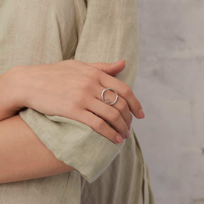 Roma Circular Silver Ring with Rose Moonstone