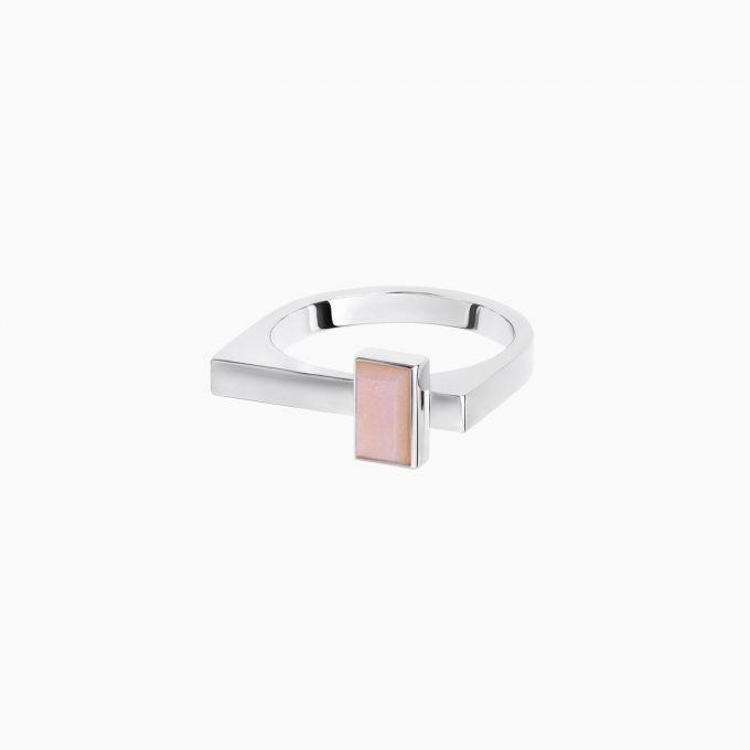Кольцо Roma из серебра с розовым лунным камнем